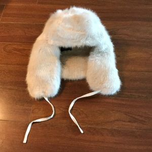 LIKE NEW  Faux fur hat